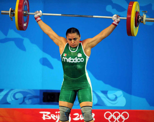 WEIGHTLIFTING/LEVANTAMIENTO DE PESAS  OLYMPICS  DAMARIS AGUIRRE: CUMPLIO   MEXSPORT DIGITAL IMAGE  15 August 2008:  Action photo of mexican Damaris Aguirre, during the 75 kgs weightlifting competition./Foto de accion de la mexicana Damaris Aguirre, durante la competencia de levantamiento de pesas en 75 kgs. MEXSPORT/RICHARD DOLE