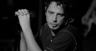 full_chris_cornell_artist_photo5
