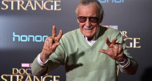 hollywood-ca-october-20-stan-lee-attends-the-premiere-of-disney-and-marvel-studios-doctor-str